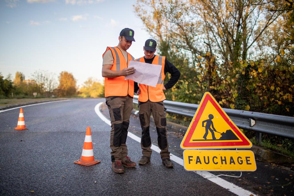 Entretien des accotements routiers et autoroutiers en sécurité